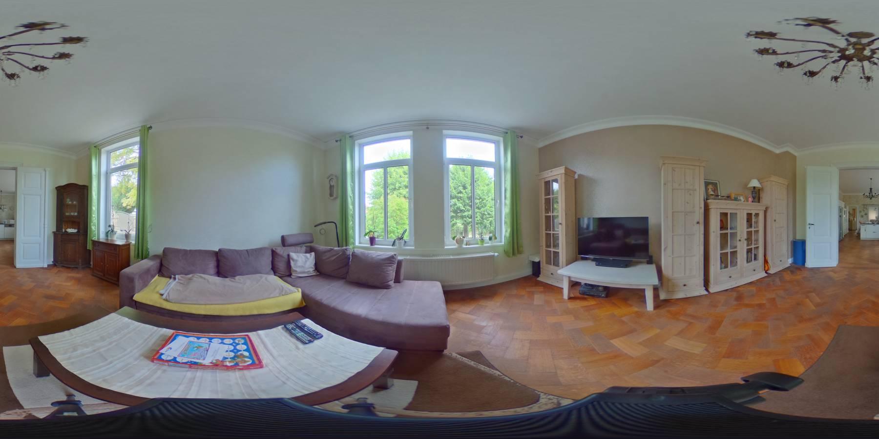 Stadtvilla inklusive 2 Ferienwohnungen + Pool in Blankenburg zu verkaufen. 360 Grad